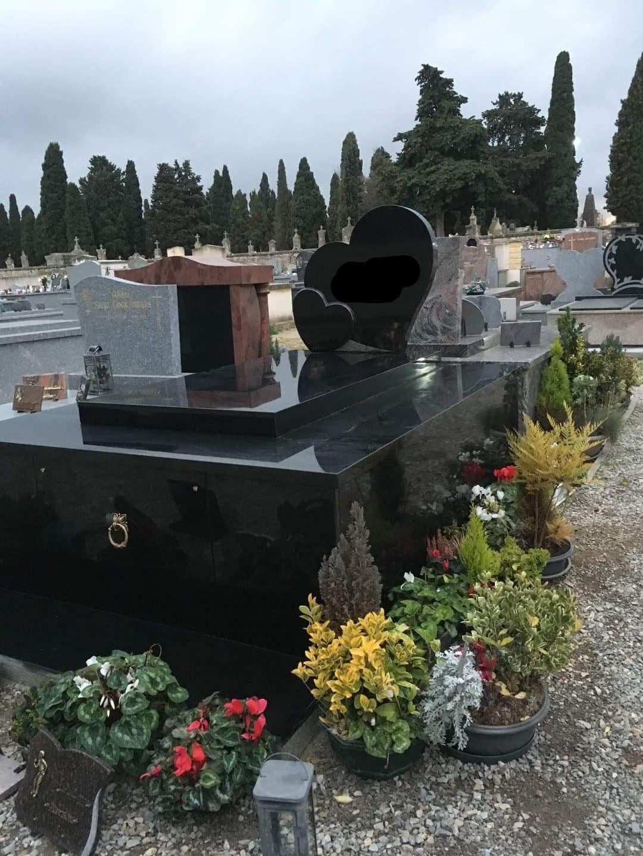 Monument Hors-Sol